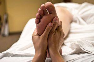 Massage de pieds pour femme enceinte